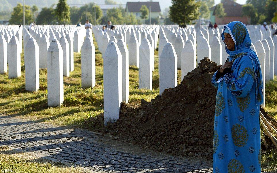 Η επέτειος - Είκοσι ένα χρόνια από τη σφαγή της Σρεμπρένιτσα https://t.co/lyKw9t1VBP https://t.co/yMM2OSpizQ