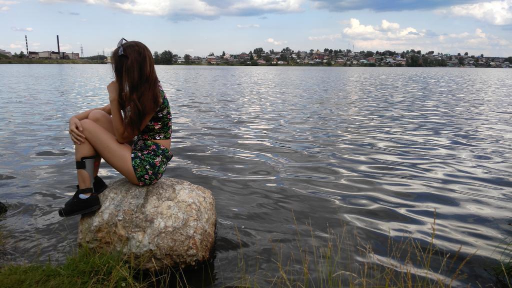 Видео групповушка худенькие загорелые девушки картинки