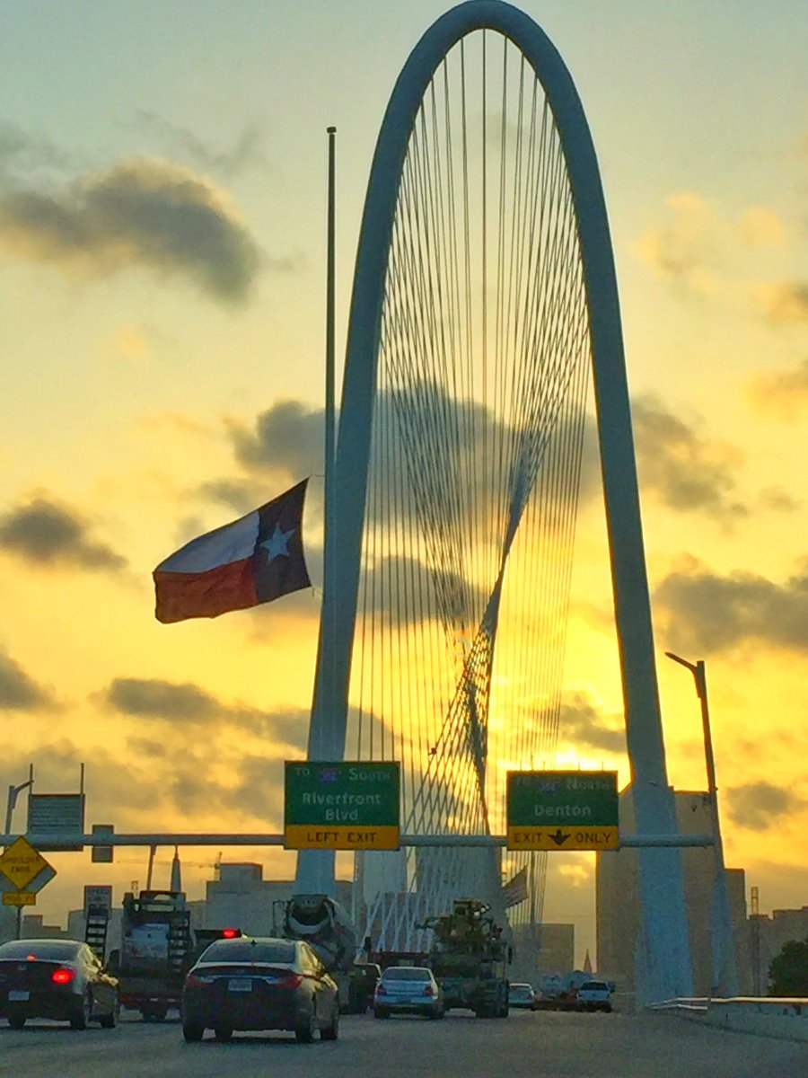 A fitting picture - snapped the sunrise over Dallas this morning, as I was driving to cover today's police memorial. https://t.co/rKtqM4prpk