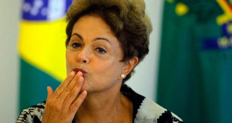 Dilma já desistiu de voltar ao cargo, tem malhado muito e ouvido Beyoncé https://t.co/kda4fC1Nrj