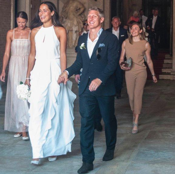Il calciatore tedesco Bastian Schweinsteiger ha sposato la tennista serba Ana Ivanovic a Venezia