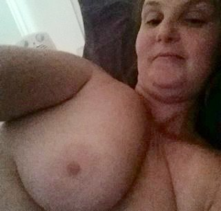 Nude Selfie 6956