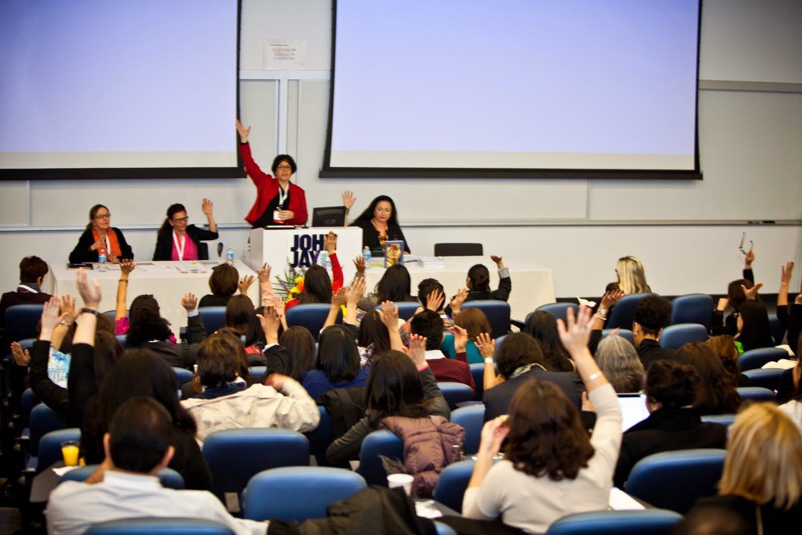 Raise your hand if you are ready for #lrc2016 Latina Researchers Conference this week in San Antonio Texas! https://t.co/widn8DDAm5