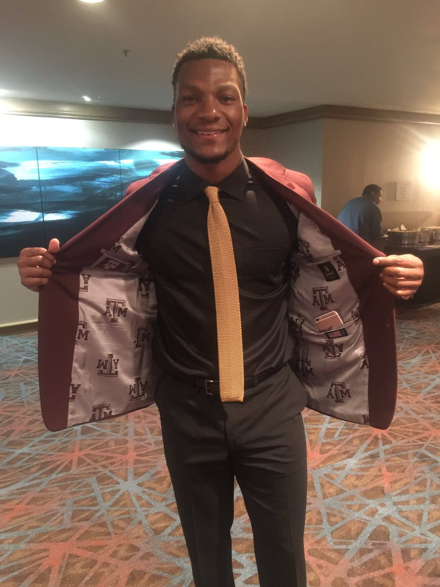 Just in case you were wondering who Ricky Seals-Jones plays for... @AggieFootball pride at #SECMD16 https://t.co/To93GupEz7