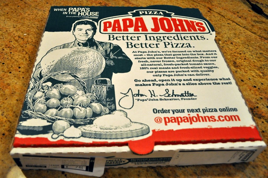 PapaJohns I Ordered A Pepperoni Pizza And Was Horrified To Find This Disgusting Animal In My Boxpictwitter FLouzgp9v6