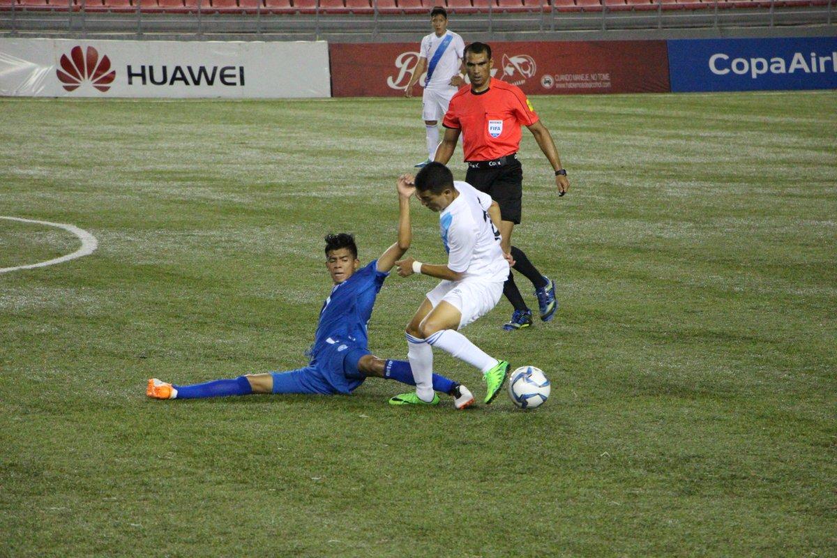 Eliminatorias UNCAF 2016: El Salvador 2 Guatemala 2. CnNeqlKWcAUCdni
