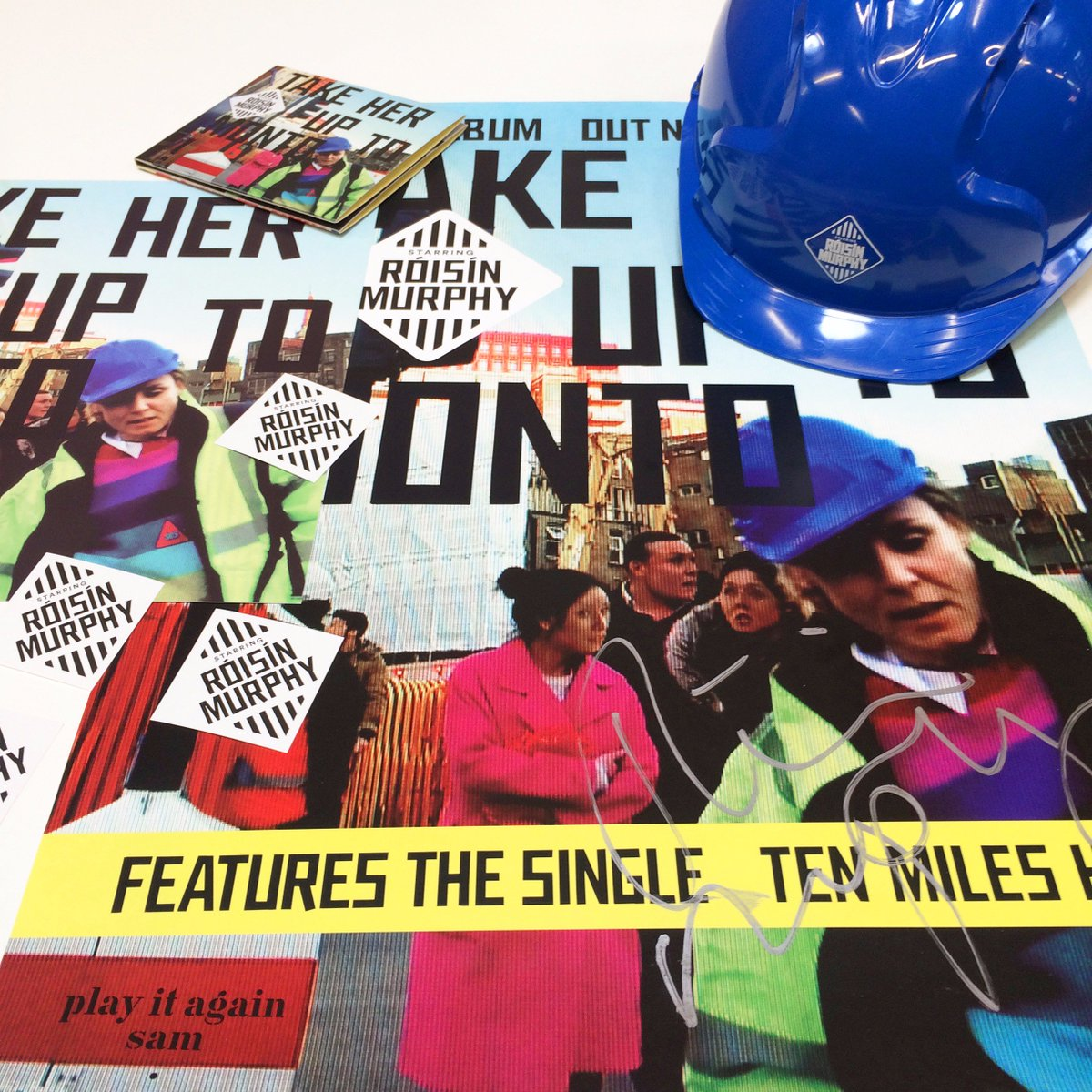 Love @roisinmurphy? Retweet to #win ALL these prizes! A branded Róisín hard-hat, signed poster, #THUTM on CD +MORE x https://t.co/v736UvLgxJ