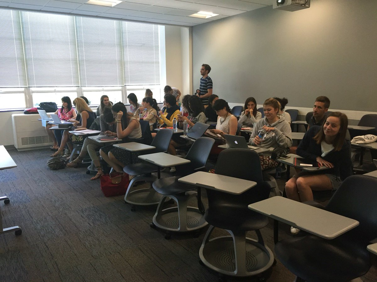 Day #3 of #bucattolica (@ Boston University College of Communication (BU COM) in Boston, MA) https://t.co/YZJ4uj0tW5 https://t.co/WOtNnN2s9K
