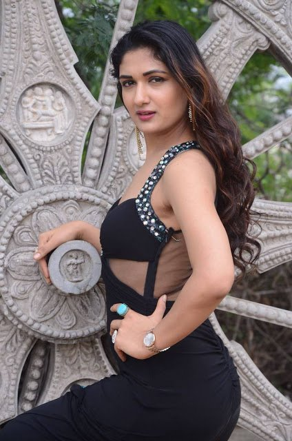 """Stunning Actress on Twitter: """"Isha Agarwal Latest Hot Cleveage Spicy Black  Glamour… https://t.co/EBRpYEa2AI #actress #ishaAgarwal Click link & RT… """""""