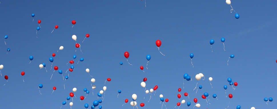 De #Courbevoie Célébrons aujourd'hui notre Avenir Bon #14juillet à vous 🇫🇷 #14juillet2016  #fière de nos couleurs