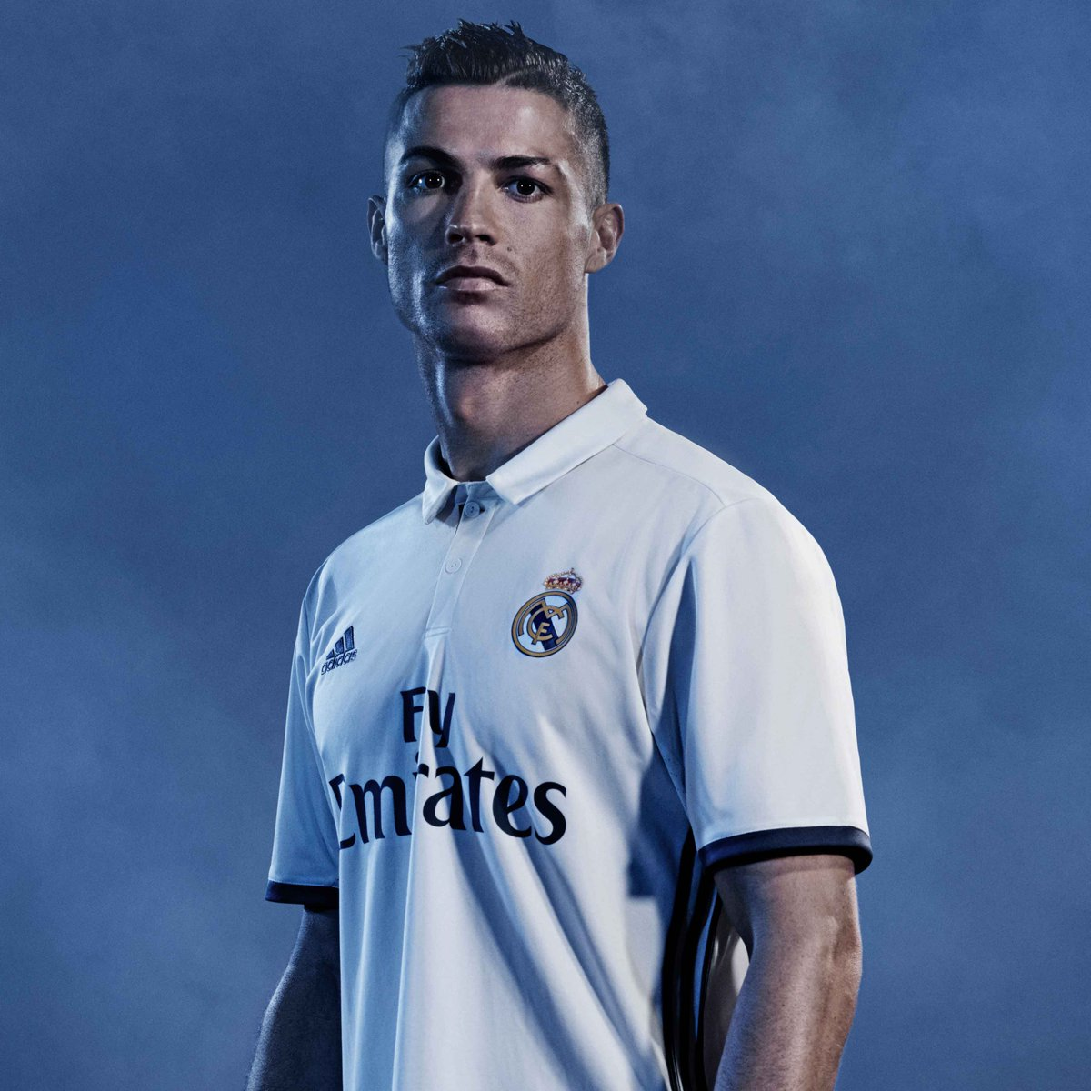 Equipacion Real Madrid 2016-2017 - Página 3 CnUA3LcW8AASlXE