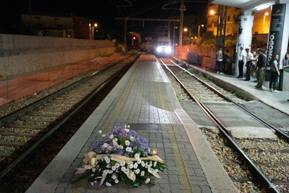 """Scontro Treni: """"il capostazione poteva sbagliare, ma qualcuno doveva accorgesene"""""""