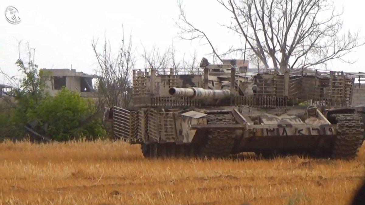الوحش الفولاذي لدى قوات الجيش السوري .......الدبابه T-72  - صفحة 3 CnVVU2SWIAA_VY_