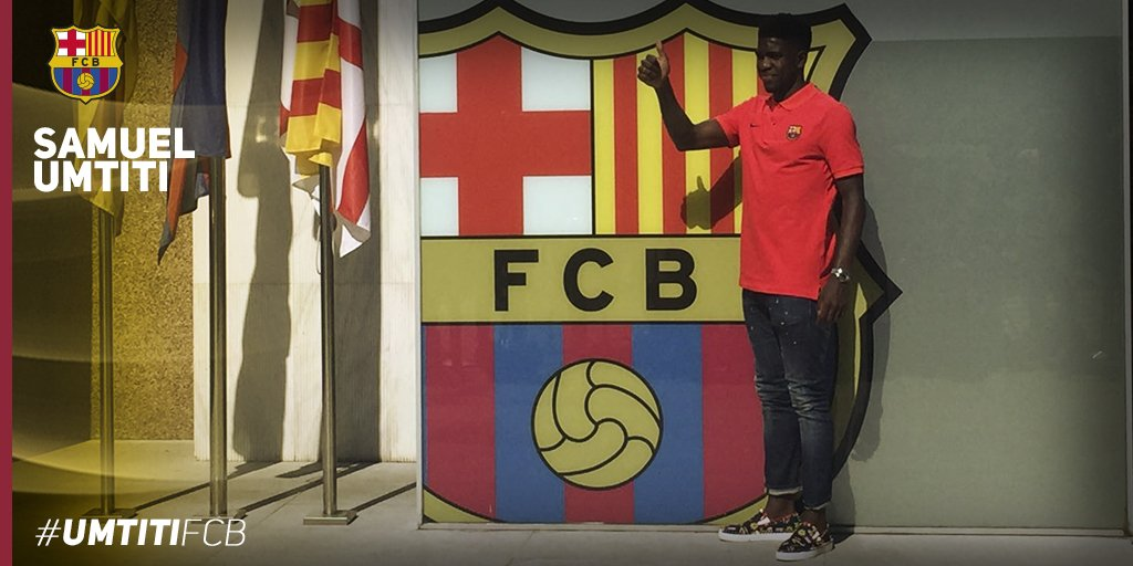 Thumbnail for Samuel Umtiti's arrival at FC Barcelona, as it is happening now
