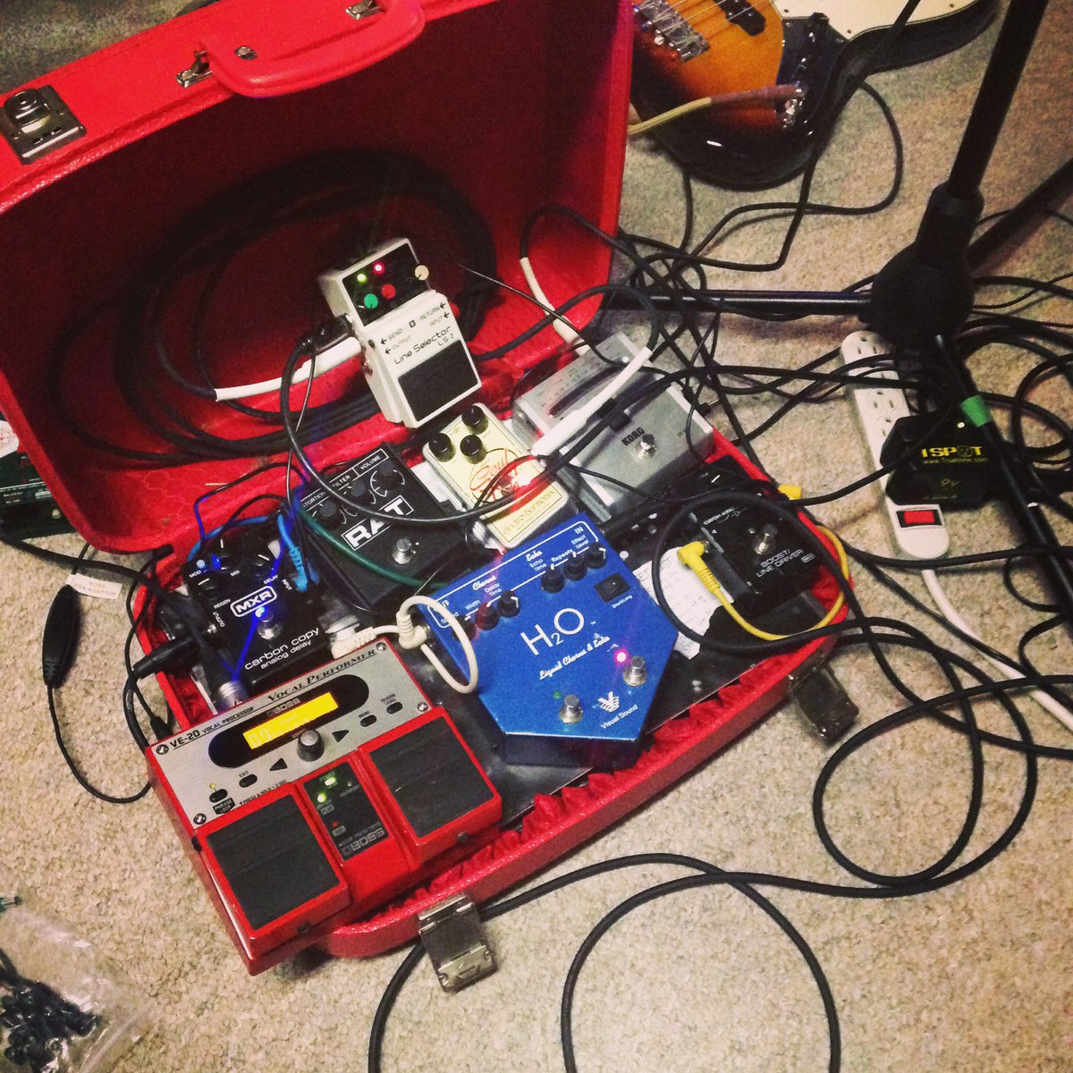 Basement Revolver On Twitter This Is Getting Outta Hand Too Many Media Wiring Pedals For Such A Small Case Https Tco J3cg1dkqxu
