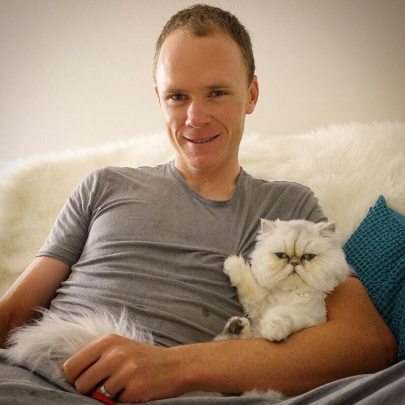 ( コンタドール然りフルーム然り、キャリア重ねた一流の選手は、みんな人格者になっていく。風貌も振る舞いも。フルーム宅の猫見て気持ち切り替えよう… #jspocycle ) https://t.co/bPrkXGxeH5