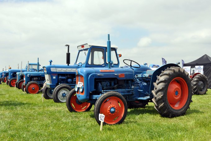 RT @TractorWorld: Don't forget the Tractor & Smallholding Show this weekend! @Hopfarm Maidstone Road, Paddock Wood, Kent TN12 6PY https://t…