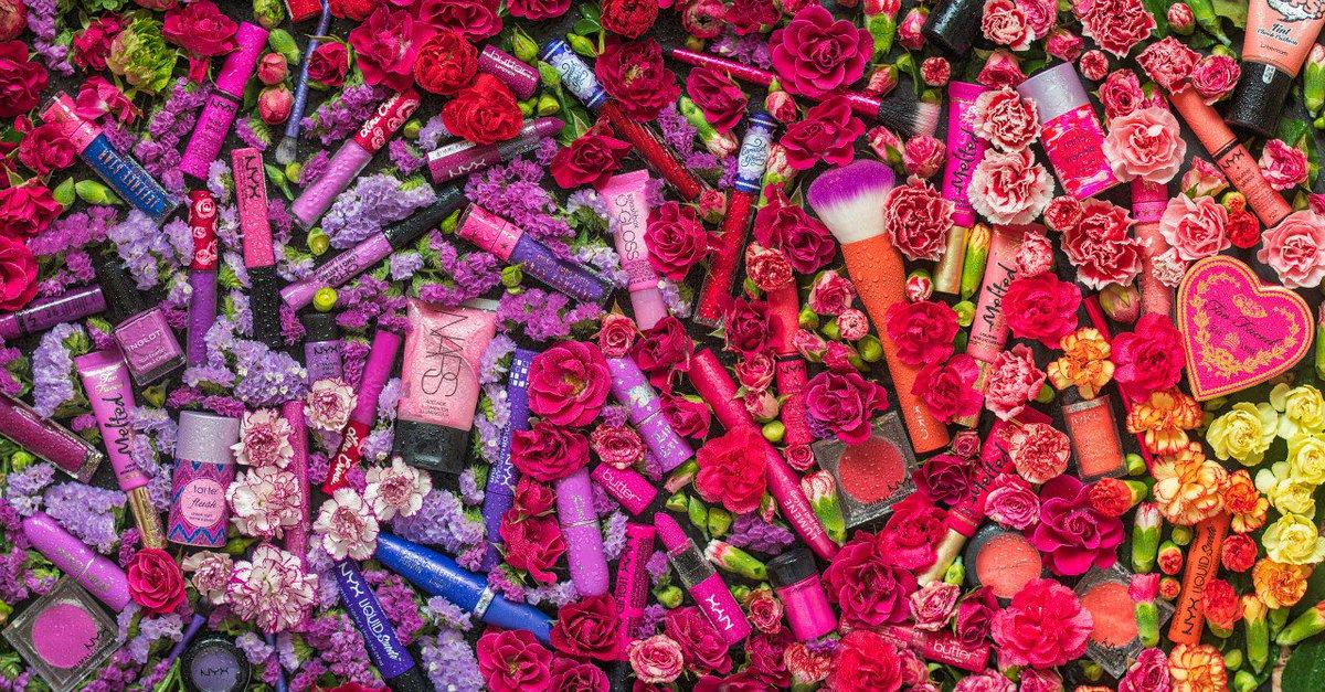 Необыкновенное переливание красок... в моем наборе... #cosmetics #nyx #limecrime #jeffreestar #toofaced #nars
