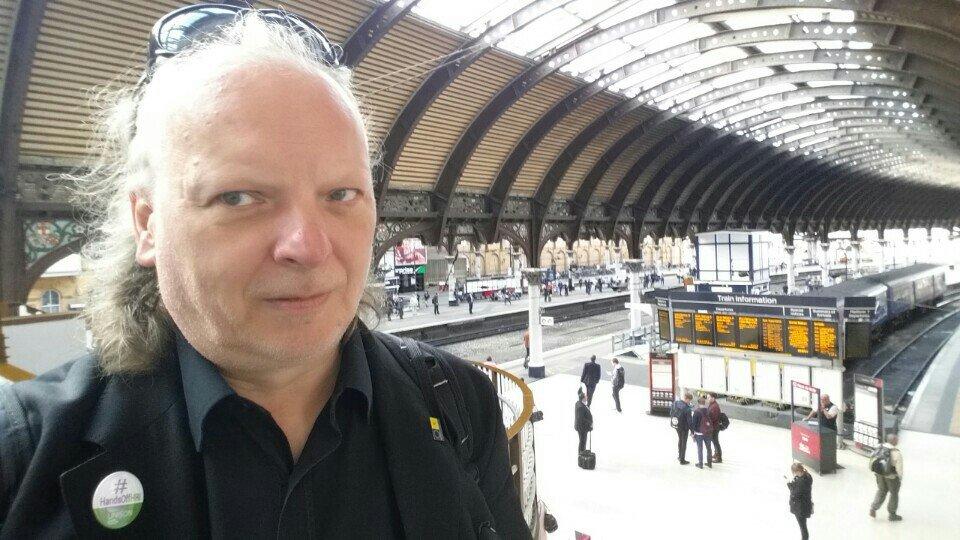 Sunny morning in York for #SWisHumanRights (@ York Railway Station (YRK) - @nationalrailenq) https://t.co/YeasNTytfT https://t.co/45zFsJBqbh