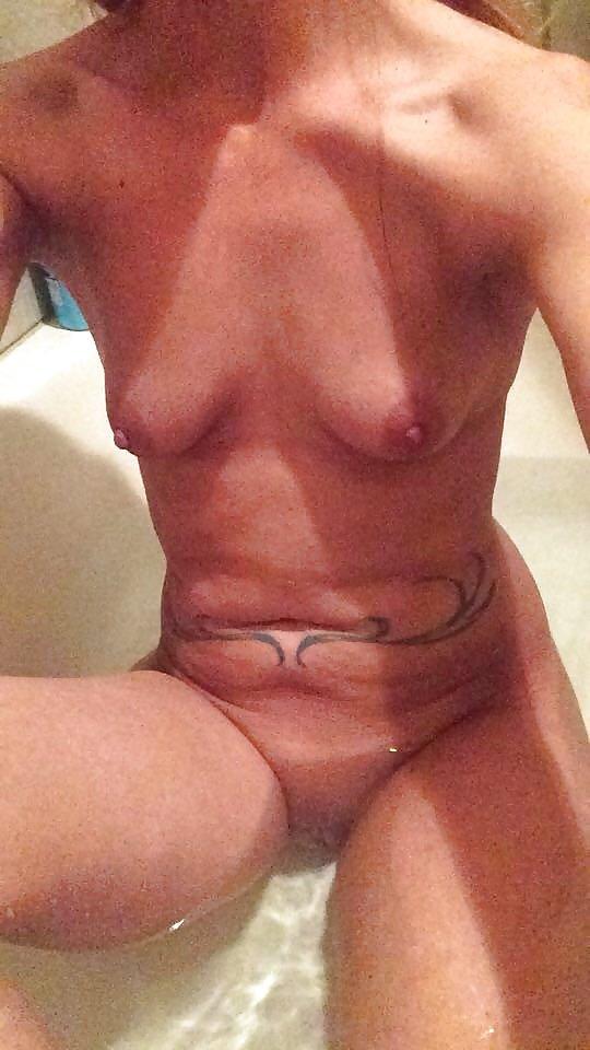 Nude Selfie 7017