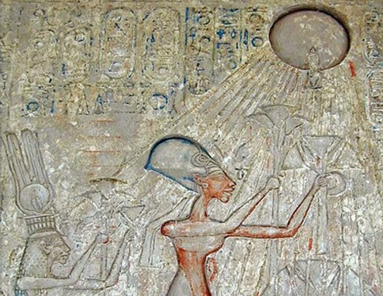 ancient egyptian burial customs essay The egyptians had a very elaborate set of burial customs indeed, the idea of the afterlife was a big part of ancient egypt's culture - they took death the egyptians believed that osiris ruled the dead, and that in order to be presented in front of him, your body had to be preserved by mummification.