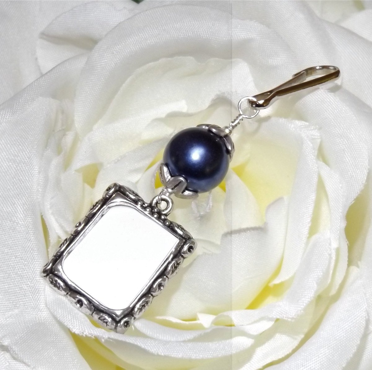 Angie S On Twitter Wedding Bouquet Photo Charm Small Picture