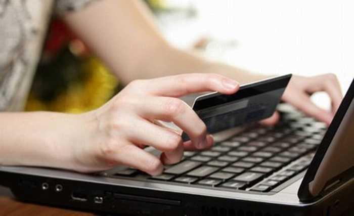 Vacanze online: Attenti alle truffe per chi ha l'abitudine di prenotare le vacanze sul web