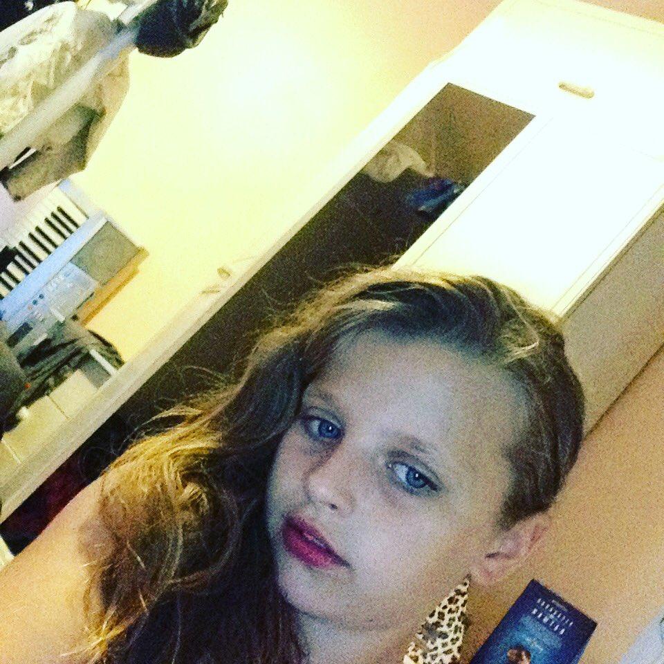 cleavage Selfie Skye Blue naked photo 2017
