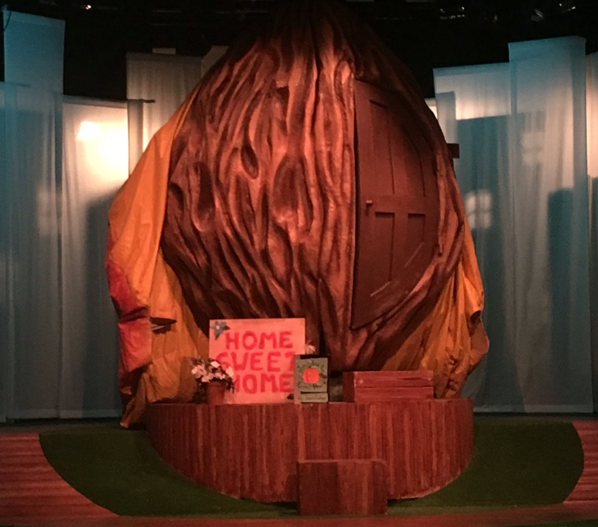 Summer hols day 1: family trip to the superb James and the Giant Peach @polkatheatre ❤️ total smash hit