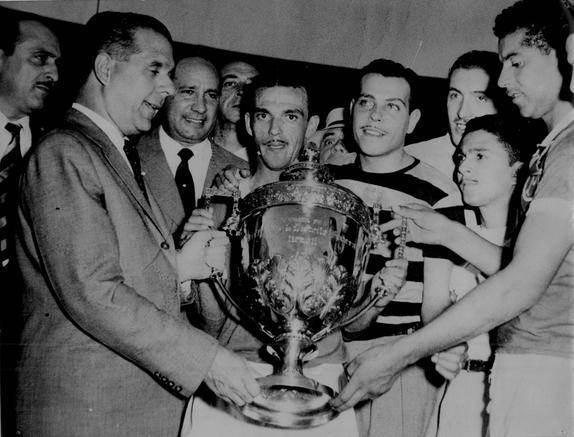 Parabéns, @SEPalmeiras! Há 65 anos, o Verdão sagrava-se campeão do Mundo em cima da Juventus no Maracanã!