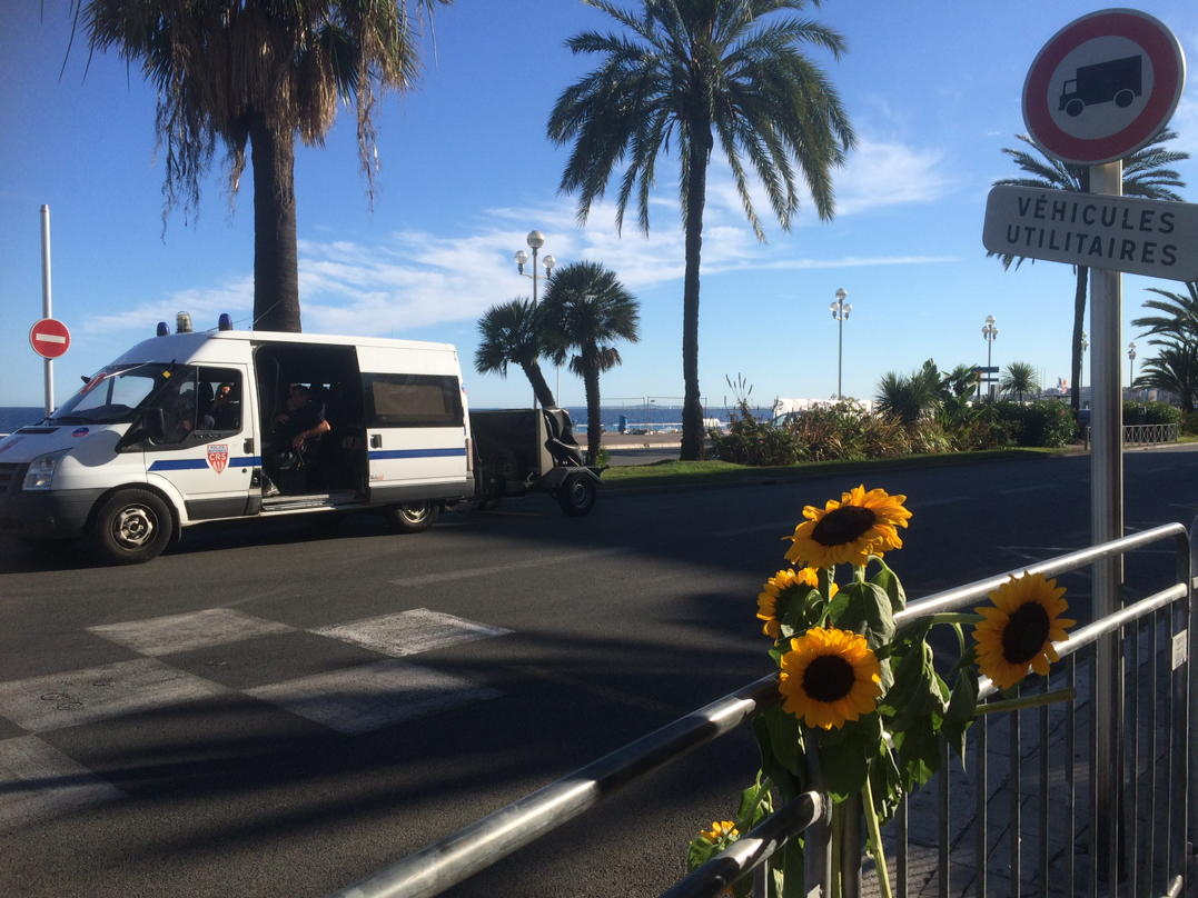 world live nice bastille france attack promenade anglais vehicle