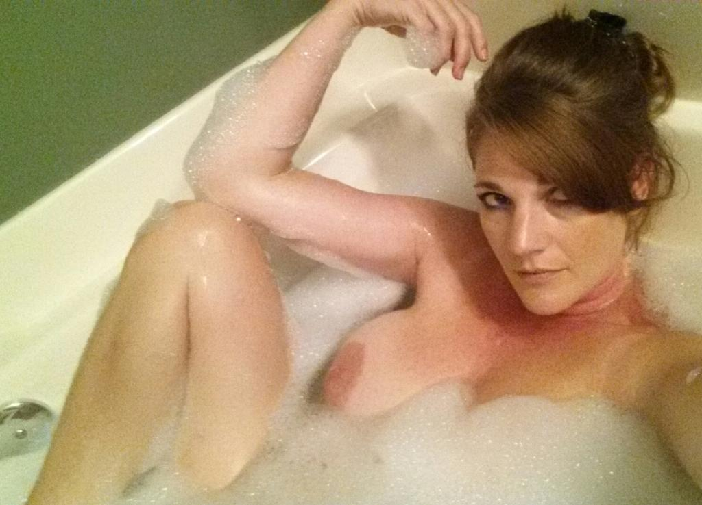 Nude Selfie 7027
