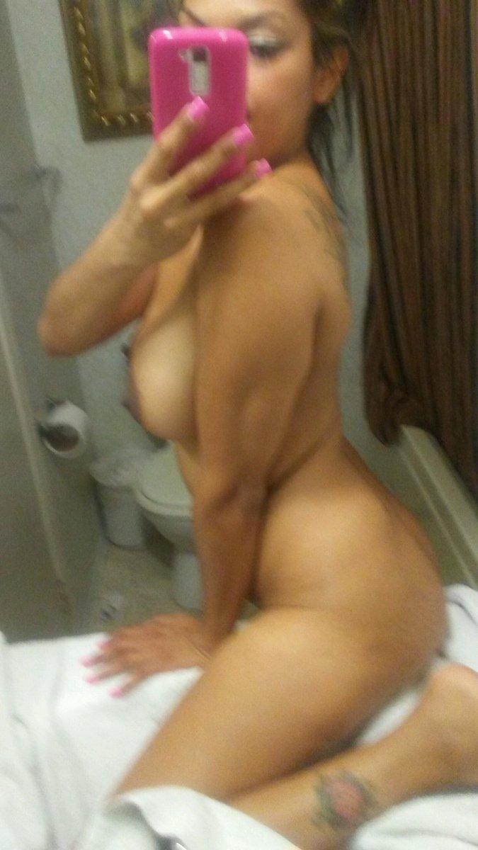 Nude Selfie 7032