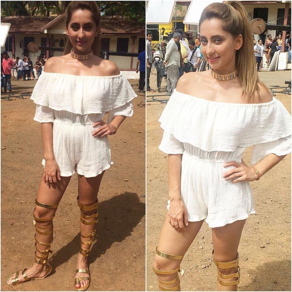 @vjanusha  Outfit - @studiotia  Styled by - #manishamelwani  #bollywood #style #fashion #b…
