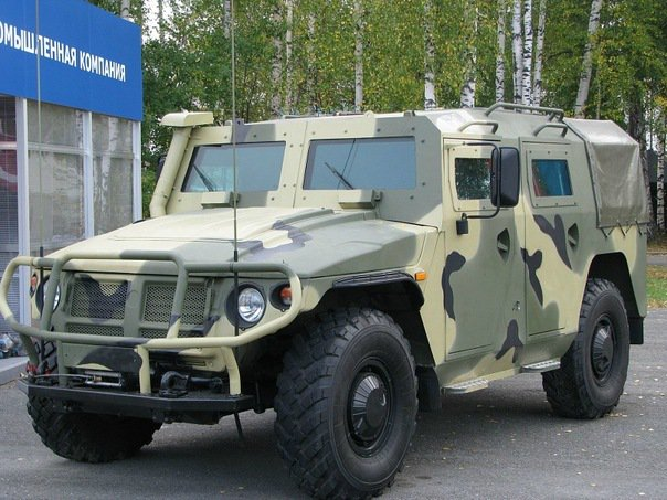 фото авто военного тигра