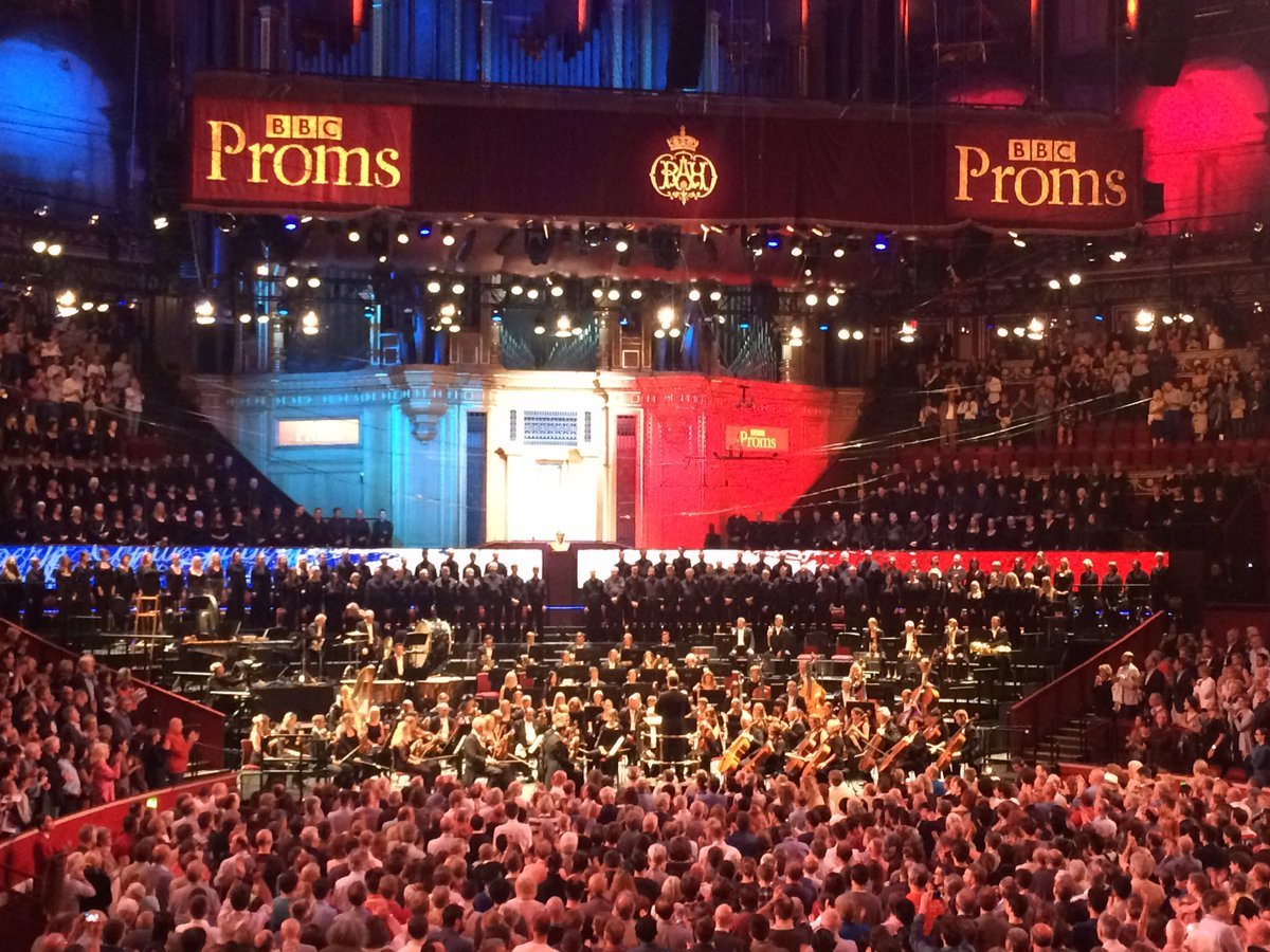French national anthem played at start of First Night of the #Proms in solidarity with Nice. #NiceAttack #BBCProms https://t.co/Df9BsKRUhE