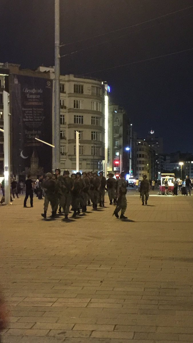 Military coup underway in Turkey Cnbw7RXW8AA__KP