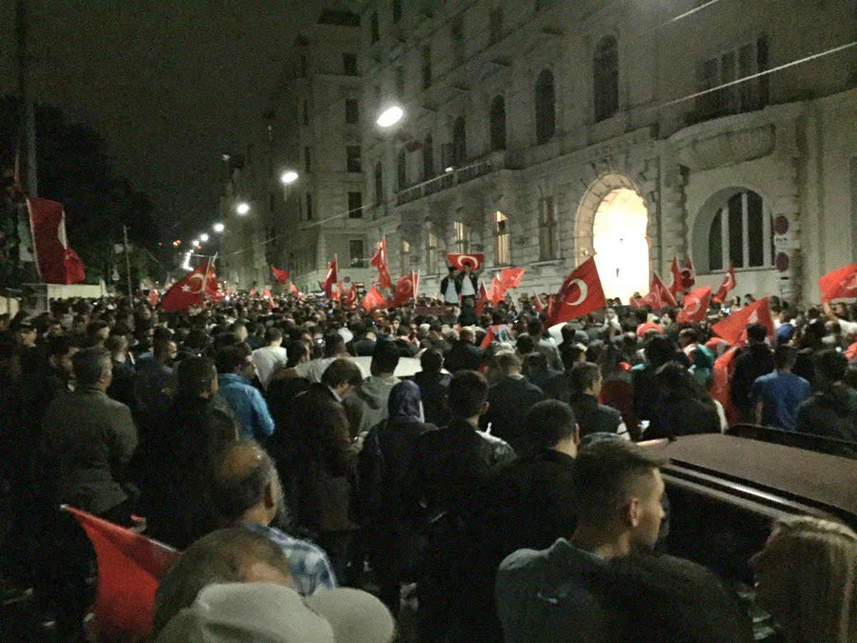 """Demo Wien Photo: Dominik 🇪🇺 On Twitter: """"Hier Weiters Foto Von Der Demo Vor"""