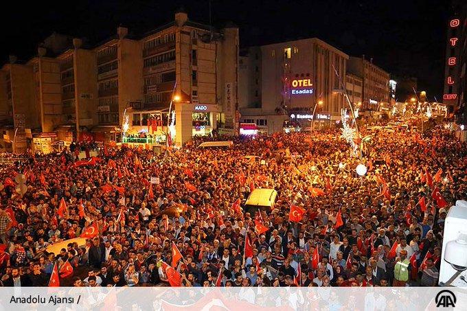 CnccyUAWgAEsDrF В Турции произошла попытка военного переворота. Итоги ночных событий