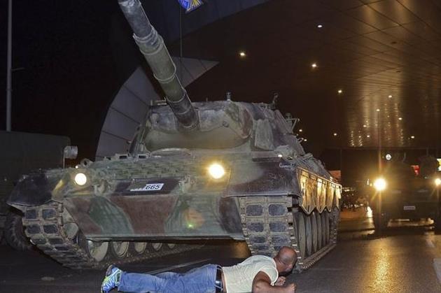 Задержан предполагаемый организатор переворота в Турции, экс-командующий ВВС Озтюрк, - Daily Sabah - Цензор.НЕТ 2256