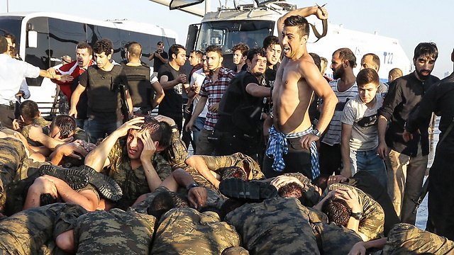 """""""Democracy"""" comes back to #Turkey?  Lynched soldiers refrained from killing civilians who show """"gratefulness"""" now.. https://t.co/Jt2T9Dd4x3"""