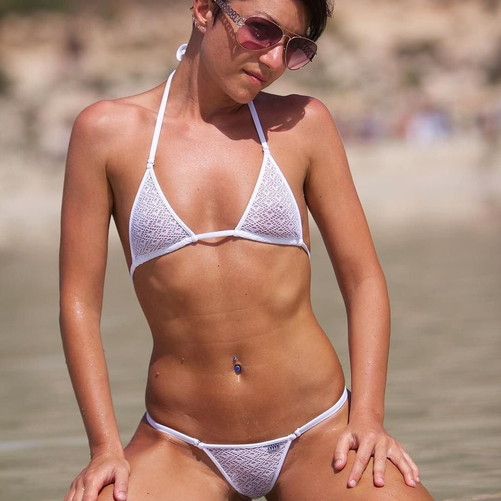 see-through-bikinis-young-girls-at-beach