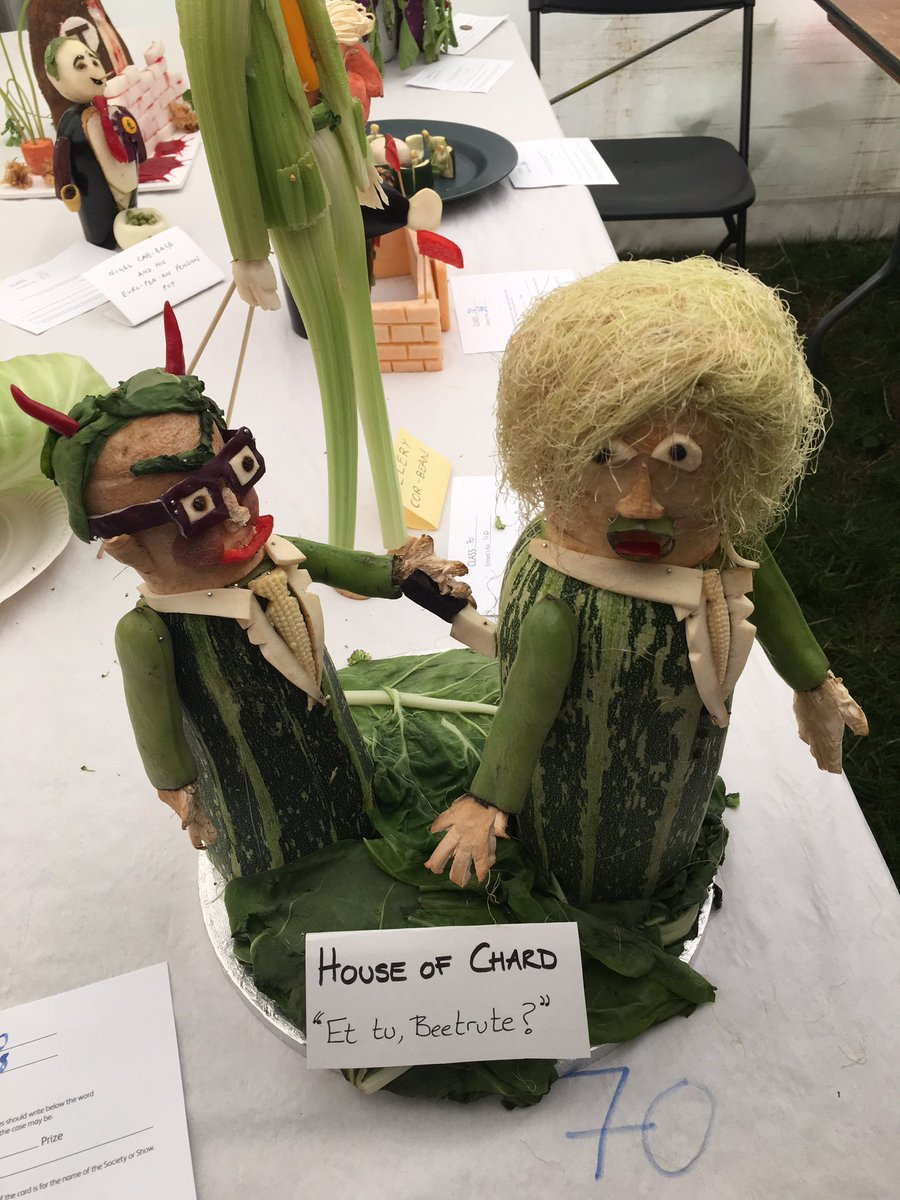 Boris vs Gove at Lambeth county fair vegetable carving tent #houseofchard https://t.co/SrWaThLXzr