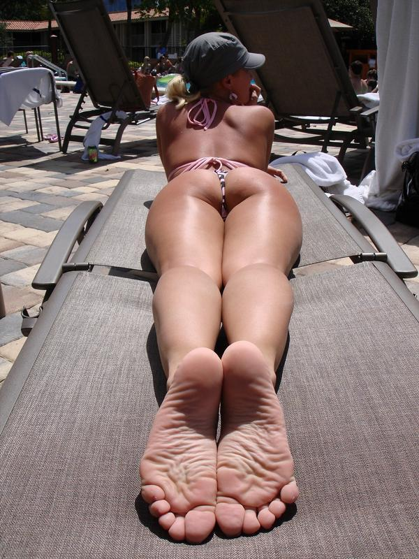 Bare bikini feet foot girl whose leg panty tights