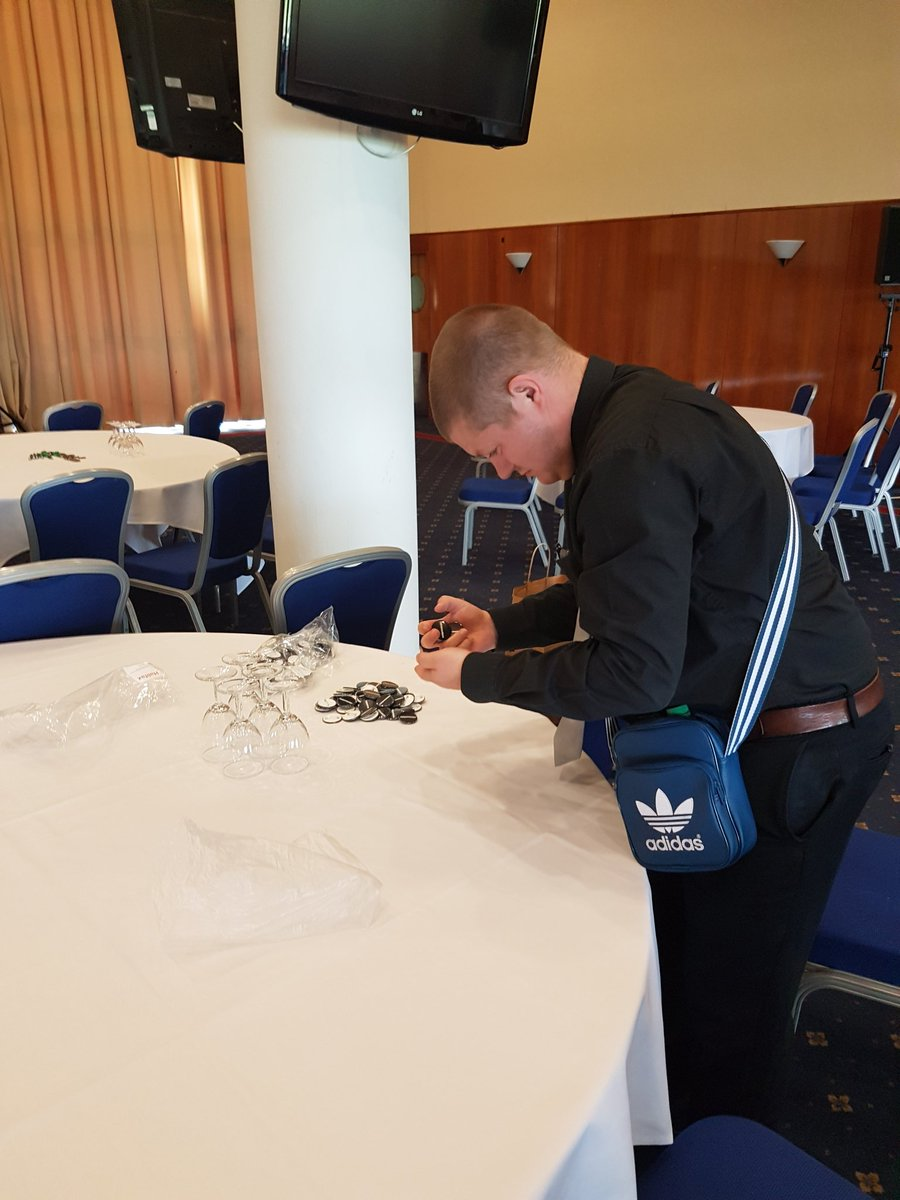 The fabulous @AaronDanielQuil sorted pens, badges & ran the best #SWisHumanRights reception https://t.co/cTLQgIKEBe
