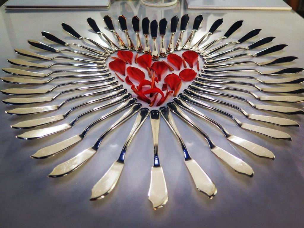 I ❤️ Diana Palace! #lunchporn #cutlery #heart #rosepetals @dianahotels https://t.co/phGbOYXUND https://t.co/COKqzXlsf9