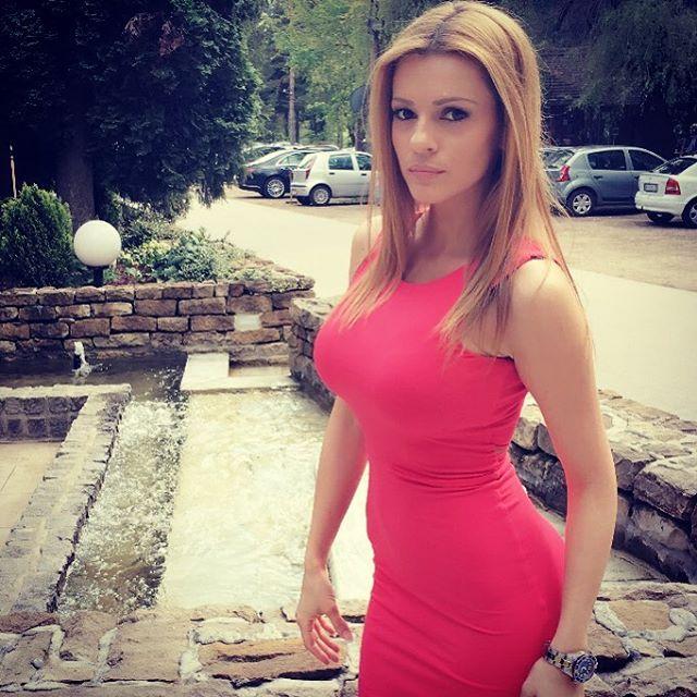 Jelena Kostov Nude Photos 25