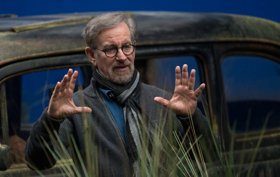 What do Steven Spielberg and Olaf have in common? Find out at https://t.co/TDgdIAXs6V #TheBFGEvent #TheBFG https://t.co/tdFMOJj5fB