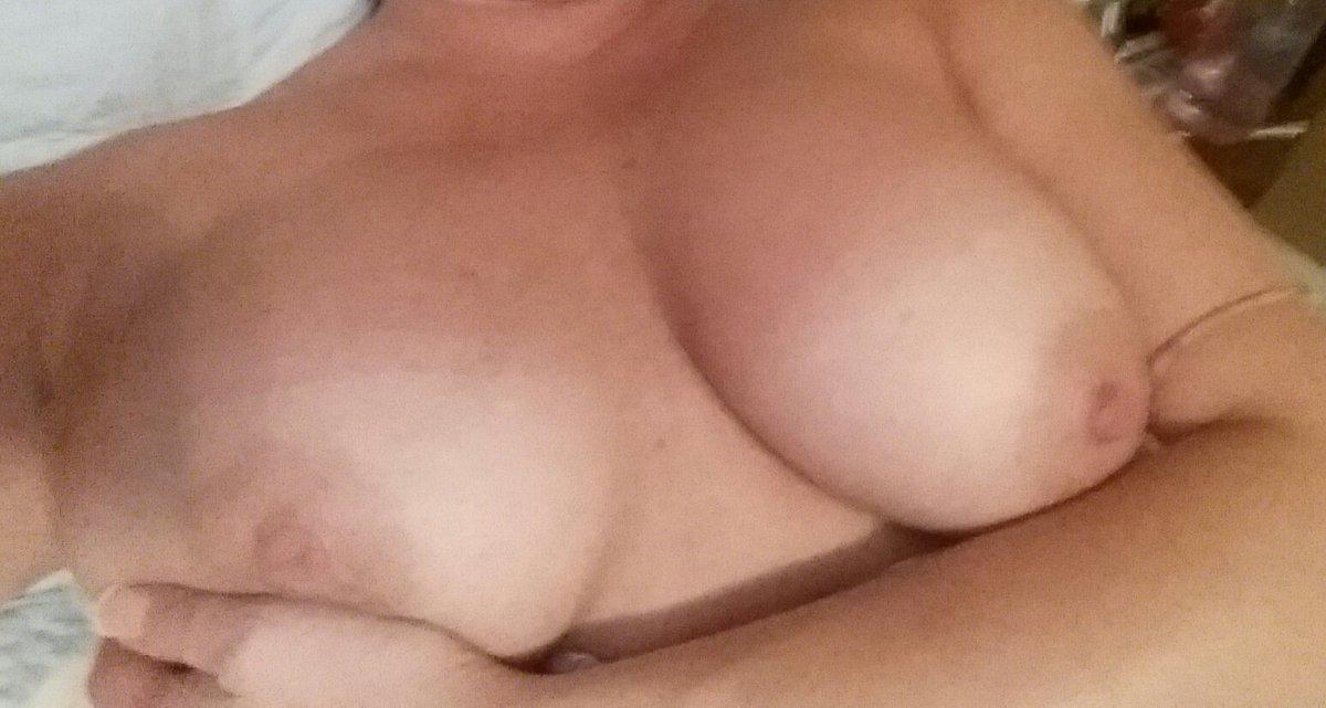 Nude Selfie 7094