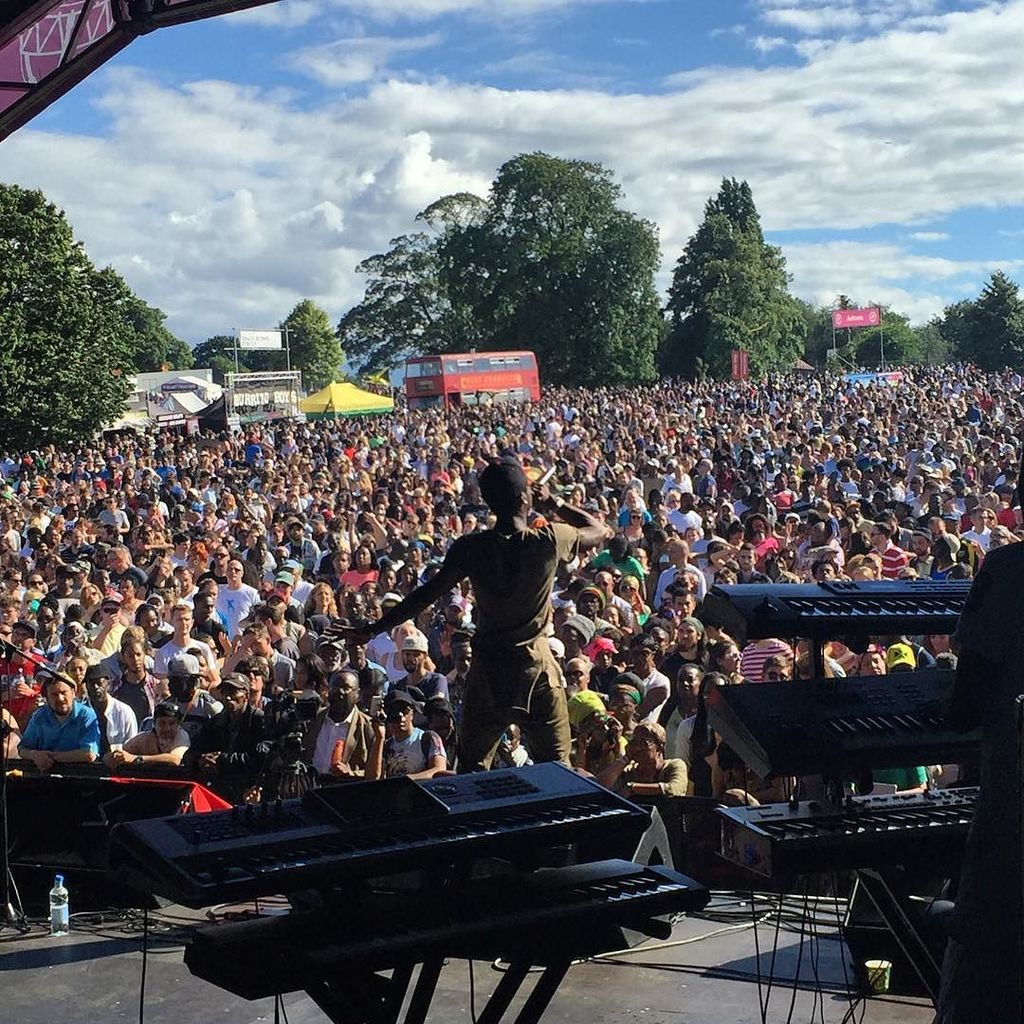 Stylo G and the Dub Asante band have the whole crowd stomping. Brixton quakes. #lcs16 #lambethcountryshow #brockwel… https://t.co/NAOS3CqokW